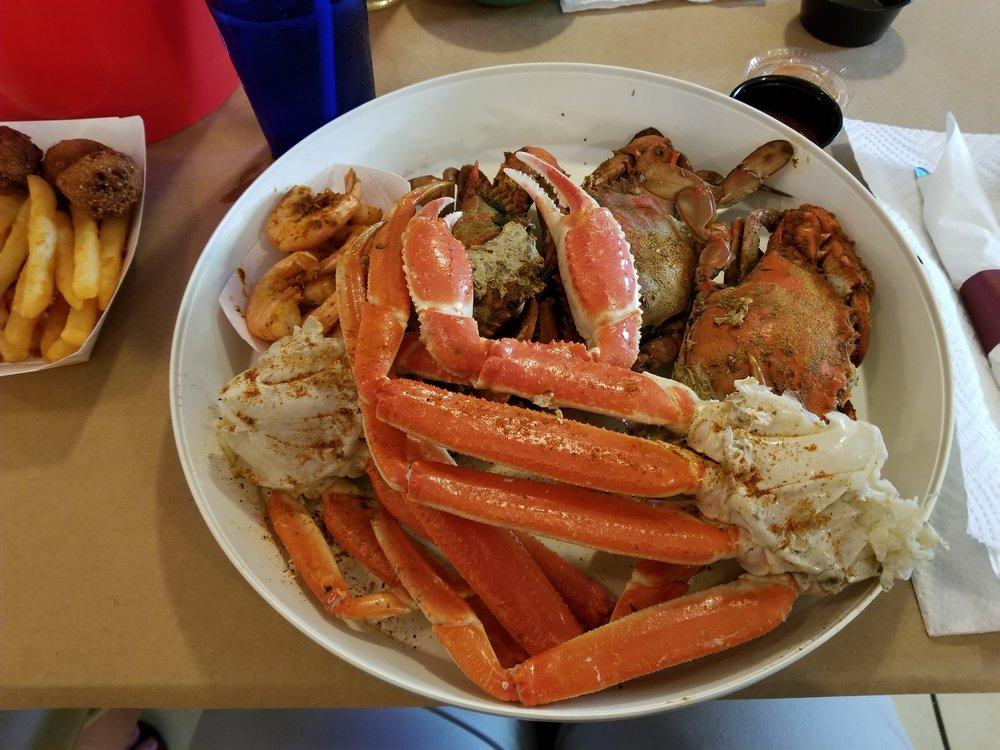 Rube's Crab Shack: 17308 N Seton Ave, Emmitsburg, MD