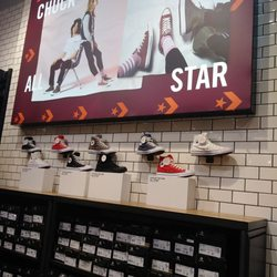 dad98040dedb Converse Outlet Store - 10 Photos   26 Reviews - Outlet Stores ...