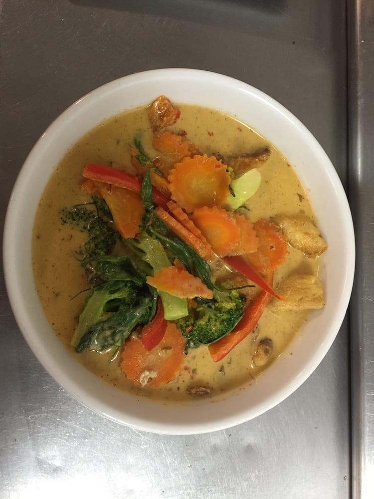 Photos for aroy dee thai cuisine yelp for Aroy thai cuisine menu
