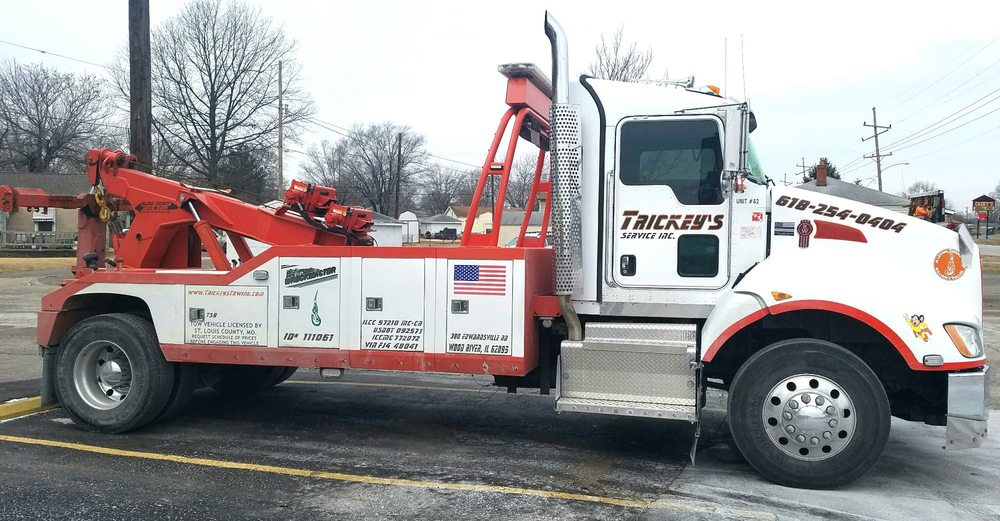 Towing business in East Alton, IL