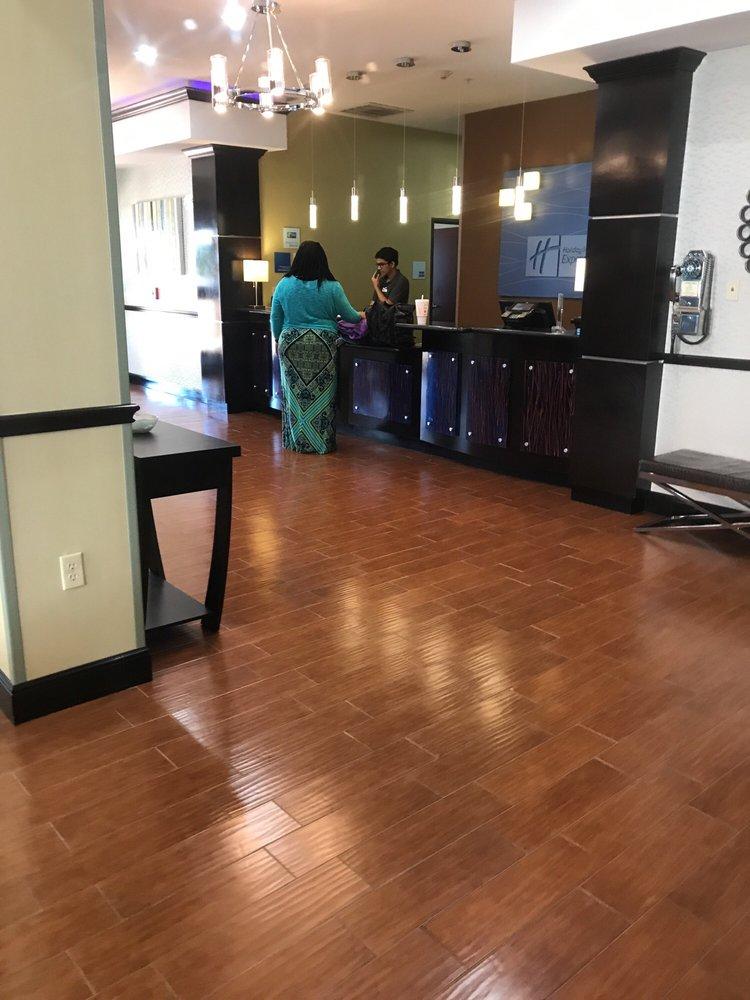 Holiday Inn Express & Suites Alva: 1230 E Oklahoma Blvd, Alva, OK