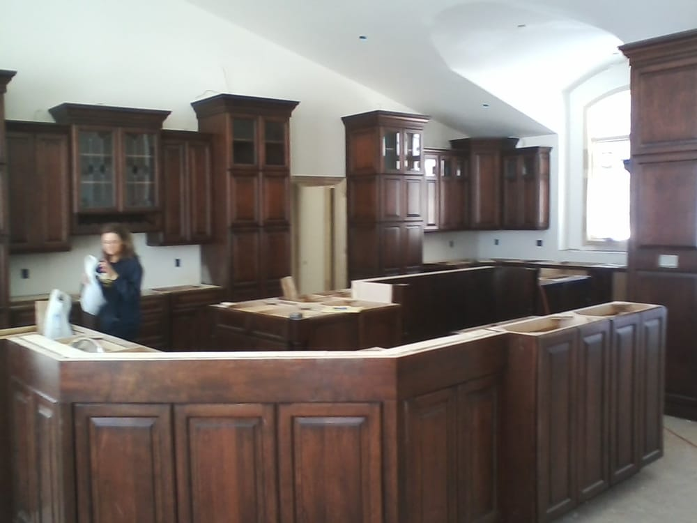 Yoder Cabinetry: 9036 Township Rd 657, Dundee, OH