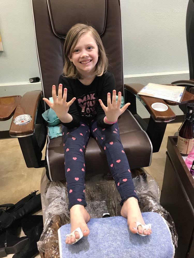 Star Nails And Spa: 1031 Main Ave, De Pere, WI