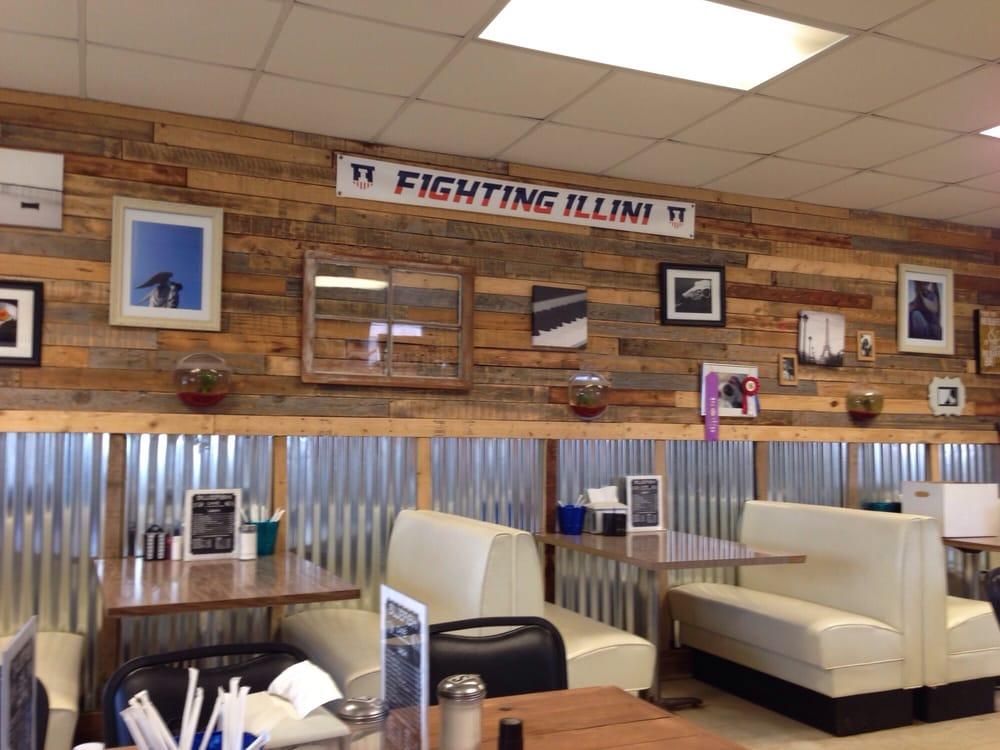 Bluefish Cafe: 101 S Main St, Elliott, IL