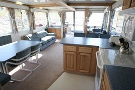 59ft Deluxe Houseboat Interior Yelp