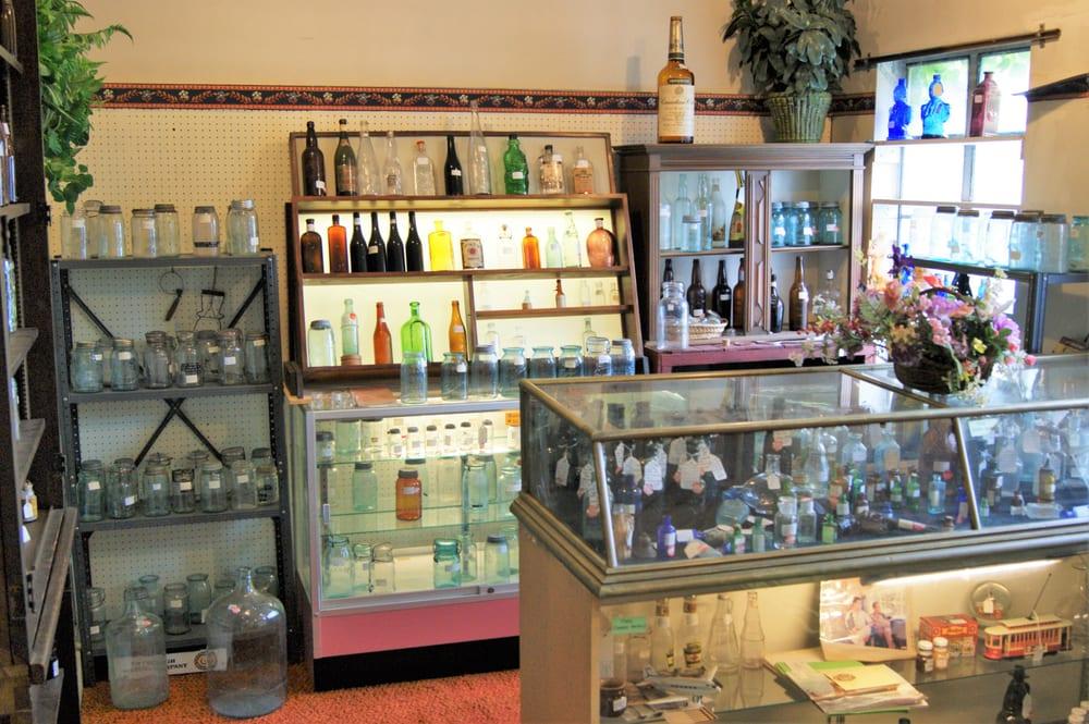 The Antique Emporium: 818 7th Ave, Beaver Falls, PA