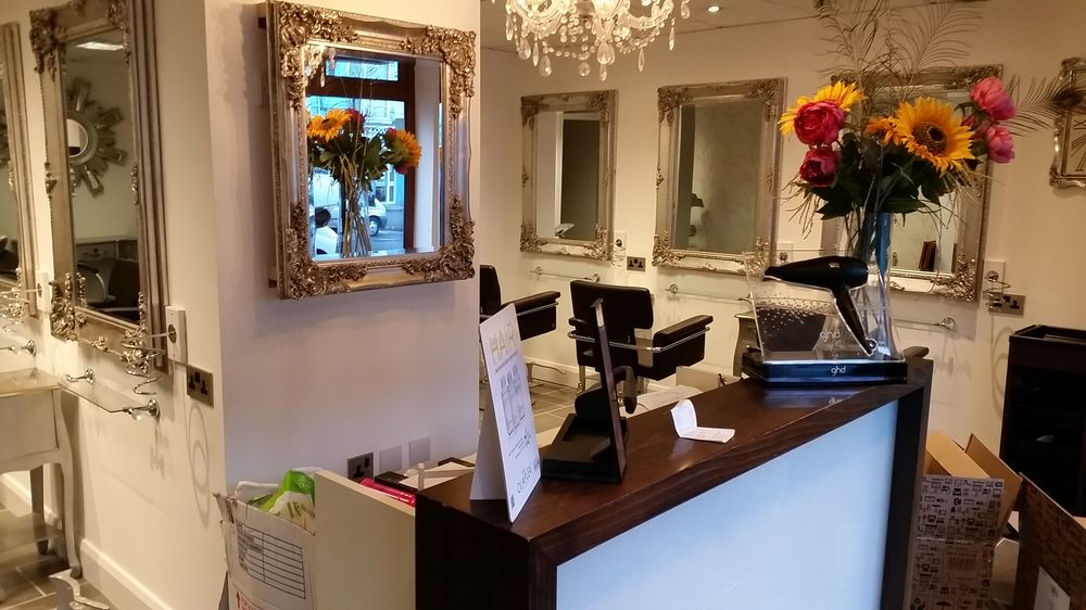 Headmasters hair shop coiffeurs salons de coiffure for 1192 beauty salon swansea