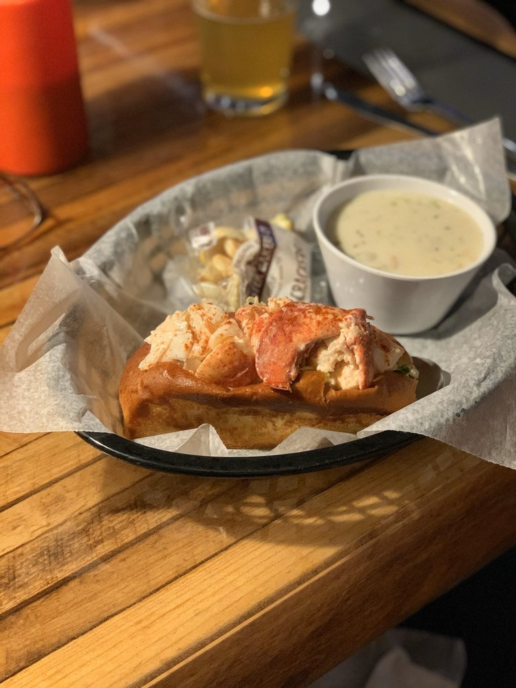 Jazzy's Mainely Lobster and Seafood