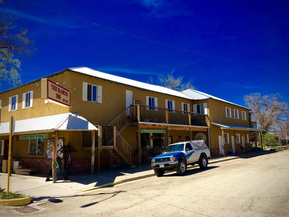 Mancos Inn and Hostel: 200 W Grand Ave, Mancos, CO