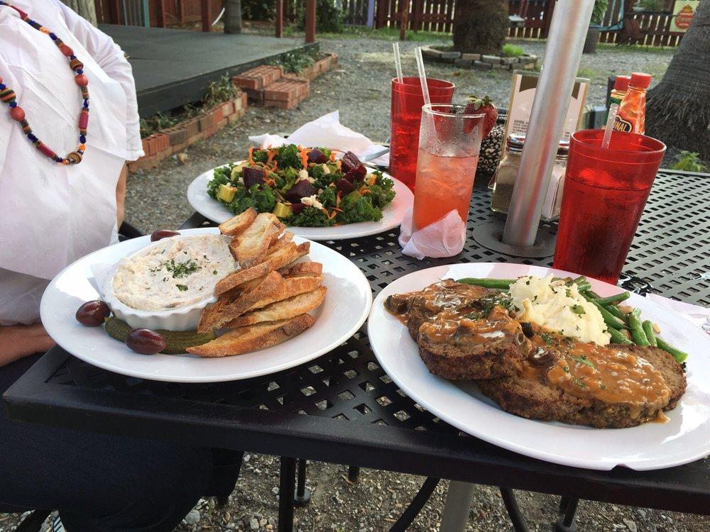 The Kitchen Table Cafe: 7005 Saint Claude Ave, Arabi, LA