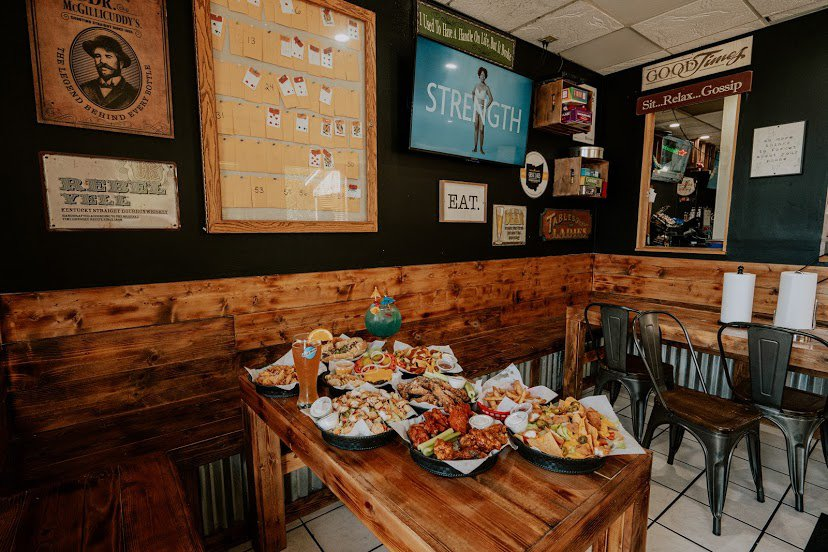 Bailey's Bar and Grille: 800 W River Rd N, Elyria, OH