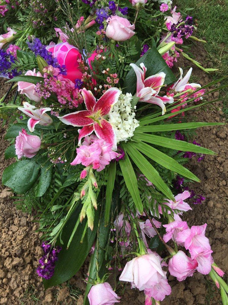 Backstreet Florist And Gifts: 353 E Cogbill Ave, Wynne, AR