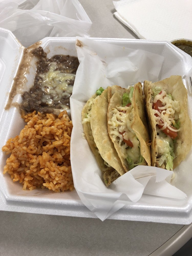 Jackies Tacos and Beer: 11470 Montana Ave, El Paso, TX