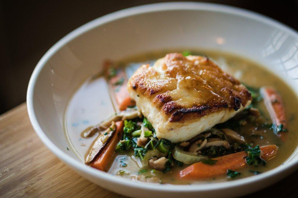 Bluefins Sushi  & Sake Bar: 513 Main St, Chatham, MA