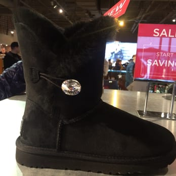 b3ebf826b8c UGG Outlet - 20 Photos - Accessories - 1 Premium Blvd, Tinton Falls ...