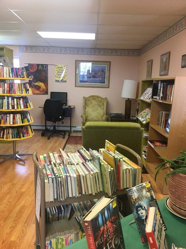 Conejos County Library: 17703 US Highway 285, La Jara, CO
