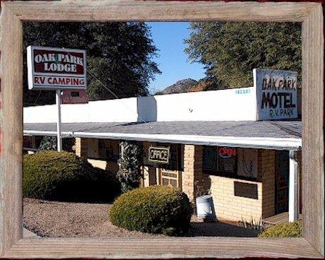 Oak Park Motel & RV Park: 22658 Hwy 89, Yarnell, AZ
