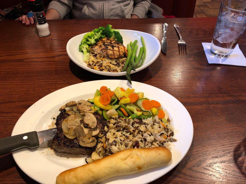 D Michael B's Resort Bar & Grill: 6550 Lamplight Dr, Albertville, MN