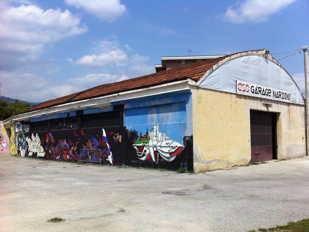 Garage arte e spettacoli via piave 1 bassano del for 2 1 2 dimensioni del garage