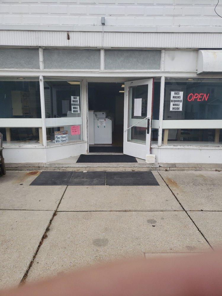 The Soapbox Laundromat: 109 S Market St, Martinsburg, PA