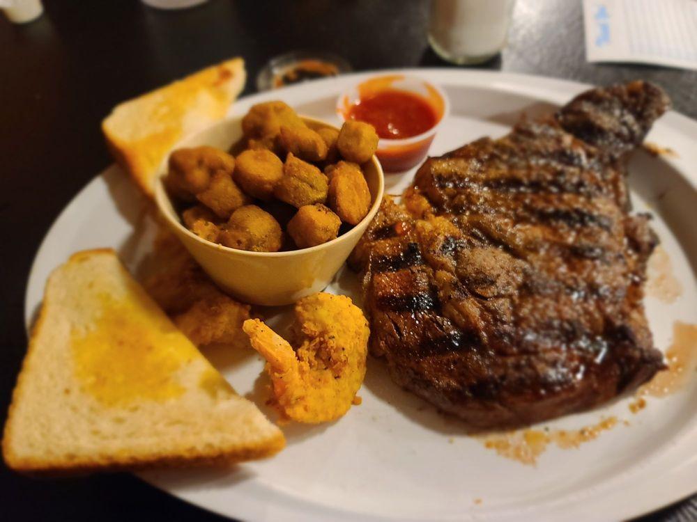 Rockett Cafe & Club: 5790 Fm 813, Waxahachie, TX