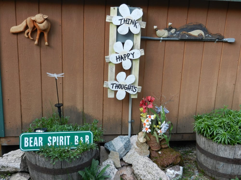 Bear Spirit Lodge: 38712 St Mary's Lake Rd, Saint Ignatius, MT