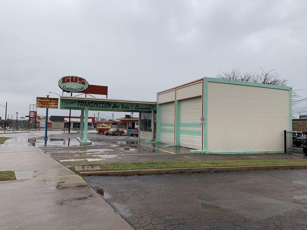 Gus' Garage: 1727 Briarcliff Blvd, Austin, TX