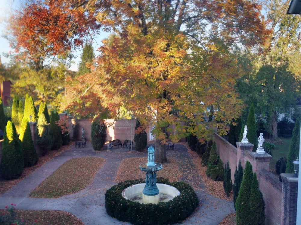 Falcon Rest Mansion & Gardens: 2645 Faulkner Springs Rd, McMinnville, TN