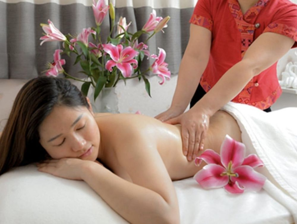 Royale Massage: N84W15787 Menomonee Ave, Menomonee Falls, WI