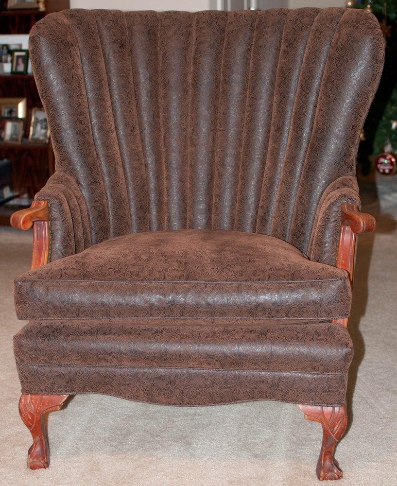 Alfaro's Upholstery: 302 Industrial Blvd, Bastrop, TX