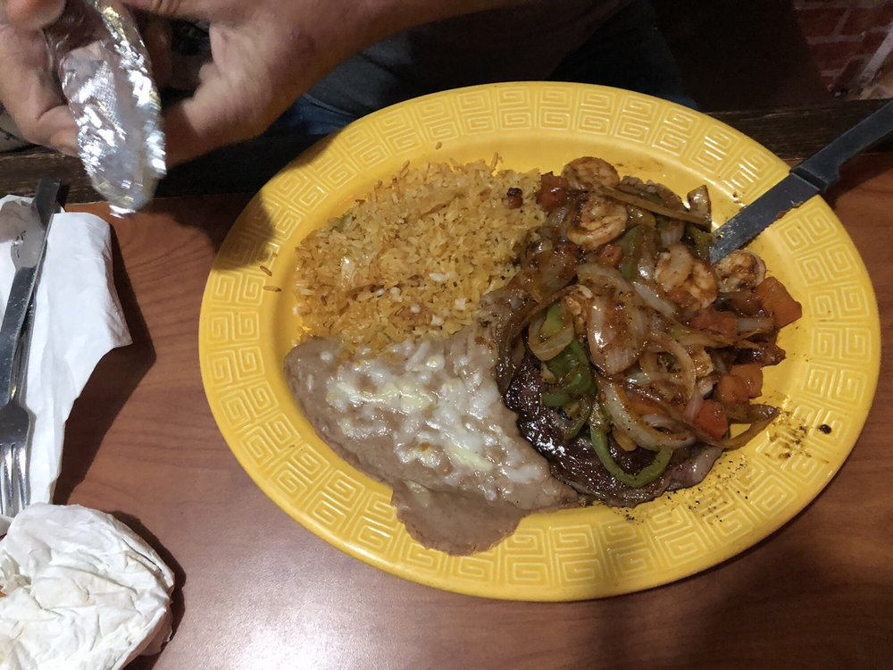 La Sierrita: 3313 Highway 82 E, Greenville, MS