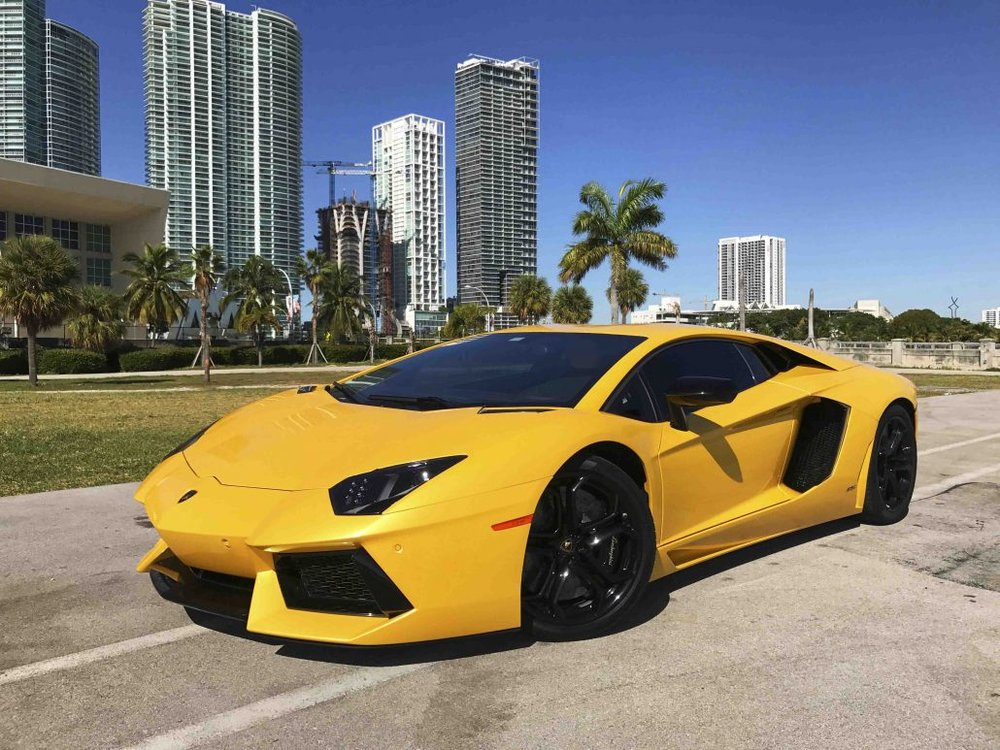 Luxury Vehicle: Miami South Beach Car Rental Luxury Exotic Lamborghini