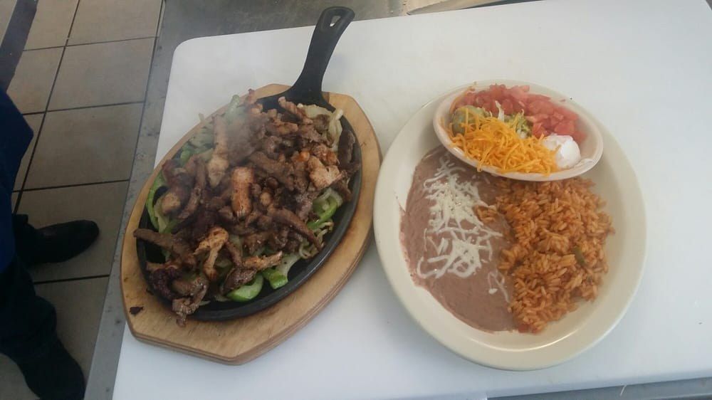 Jalisco Mexican Grill: 197 Bear River Dr, Evanston, WY