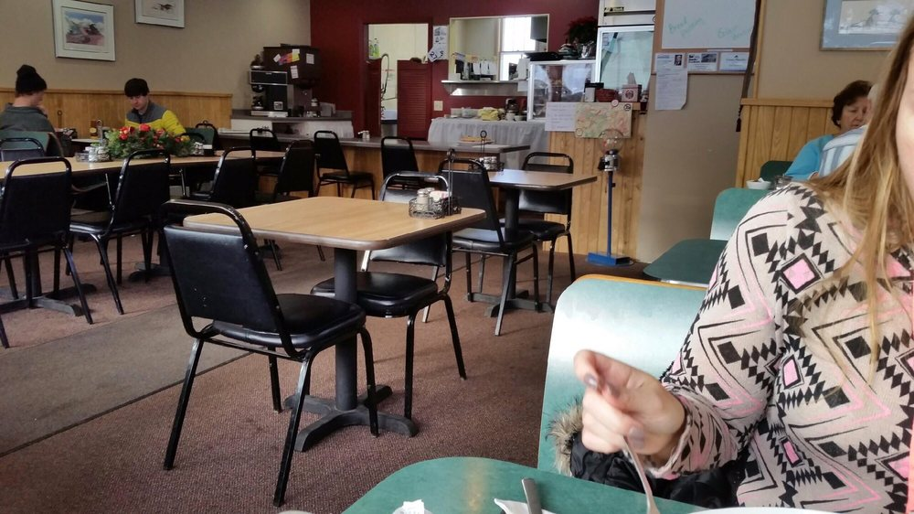 Mary's Morsels & Catering: 1019 Grant Ave, Eveleth, MN