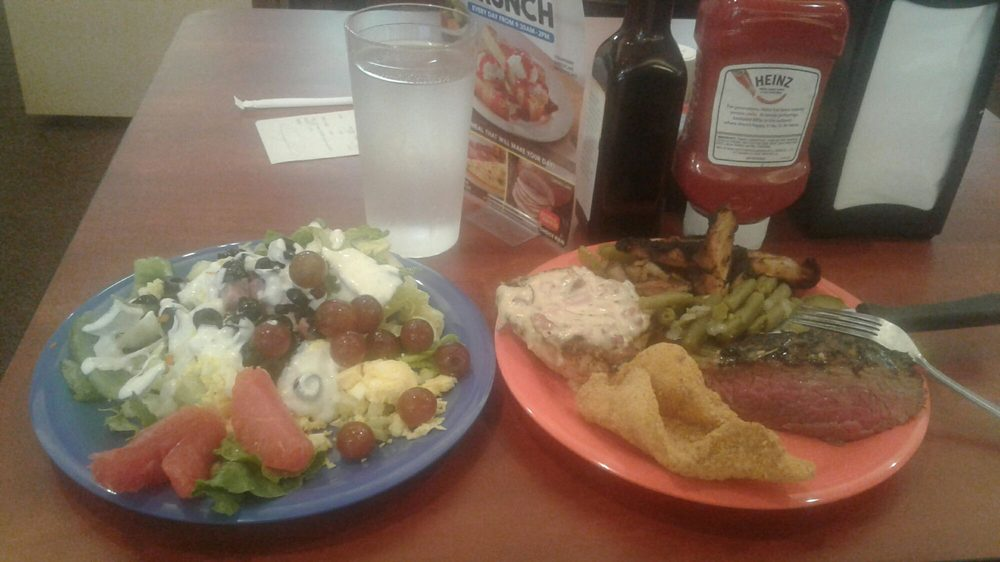 Golden Corral Restaurant: 2255 N Reed Station Rd, Carbondale, IL