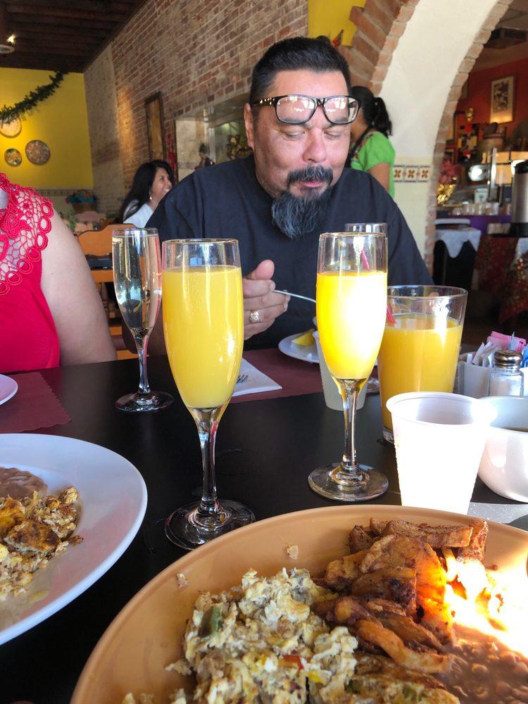 Tlaquepaque Restaurant: 101 W Santa Fe Ave, Placentia, CA