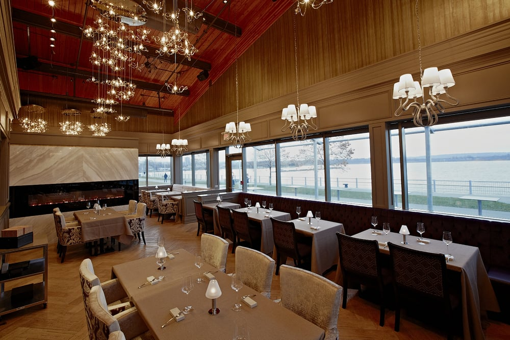 Pier Private Room Off Of Sarcoa