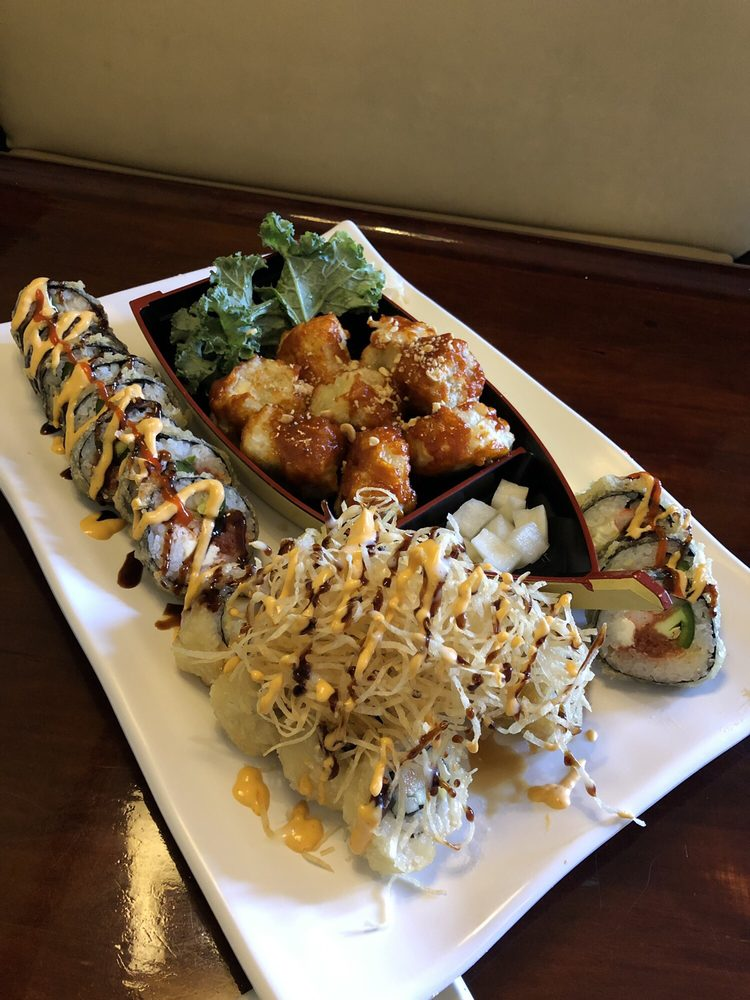 Sushi Bon: 5812 E 12 Mile Rd, Warren, MI