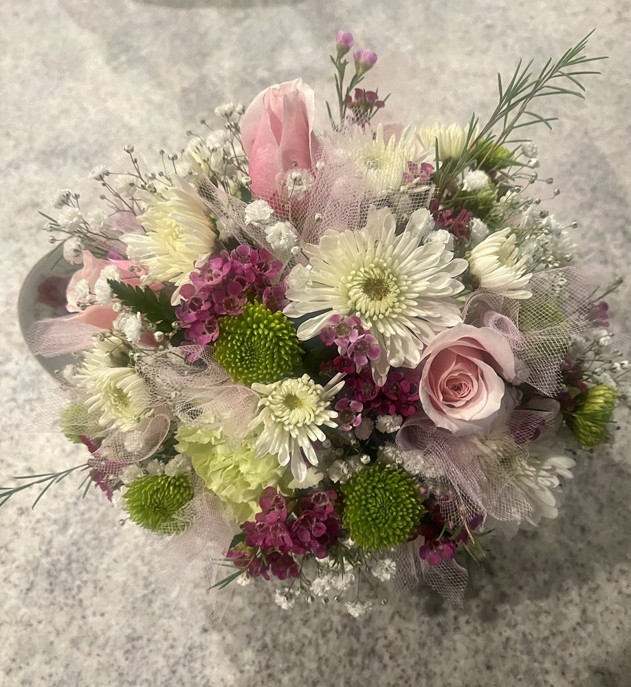 Country Barn Florist: 404 Hand Ave, Cape May Court House, NJ