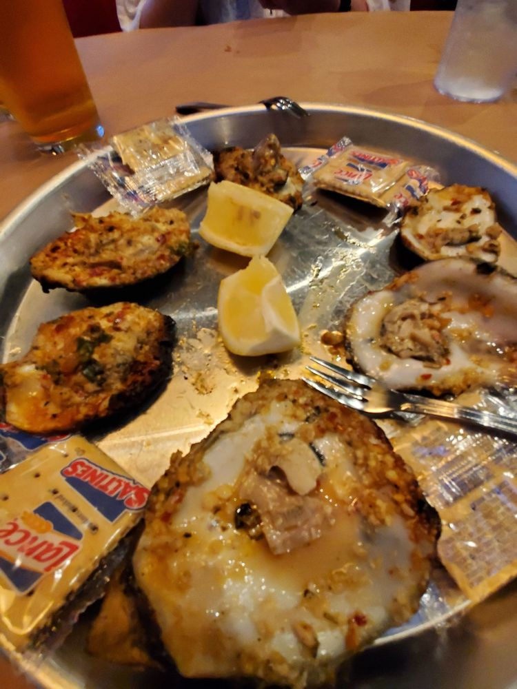 The Dancing Crab Cajun Seafood & Oyster Bar: 884 W State Rd 436, Altamonte Springs, FL