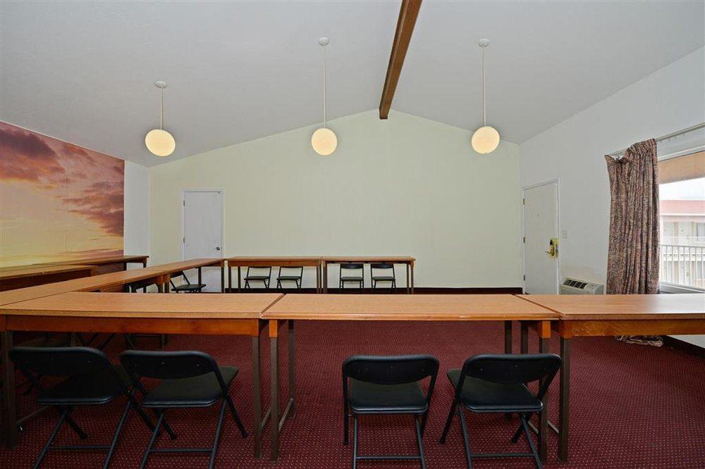 Americas Best Value Inn Socorro: 1009 N California St, Socorro, NM