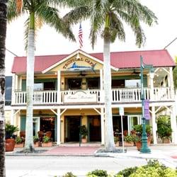 Tommy bahama restaurant bar store sarasota 303 for Sarasota fish restaurants