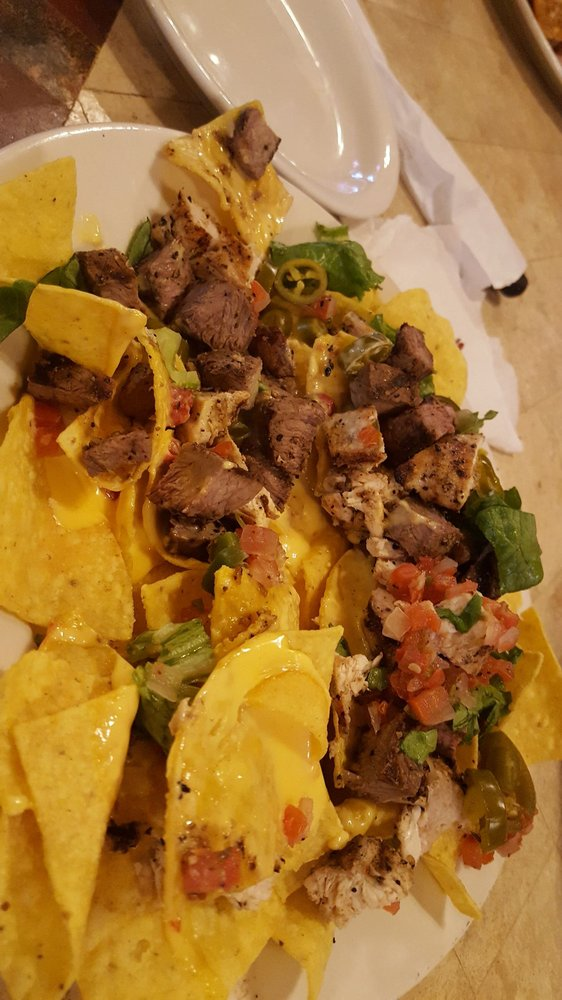 5D Steakhouse & Lounge: 632 W Main St, Yorktown, TX