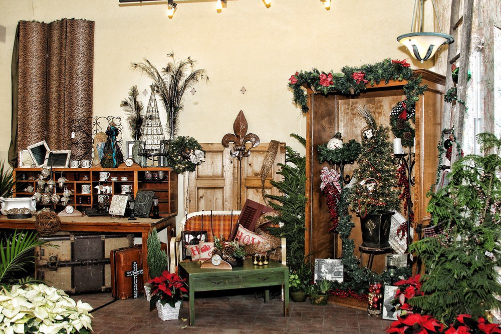 Natalie's Floral, Gourmet and Gifts: 103 E Franklin, Hillsboro, TX