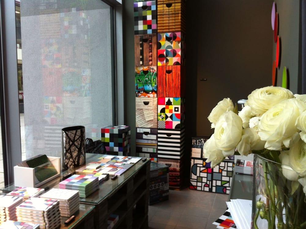 remember store krefeld shopping petersstr 120. Black Bedroom Furniture Sets. Home Design Ideas