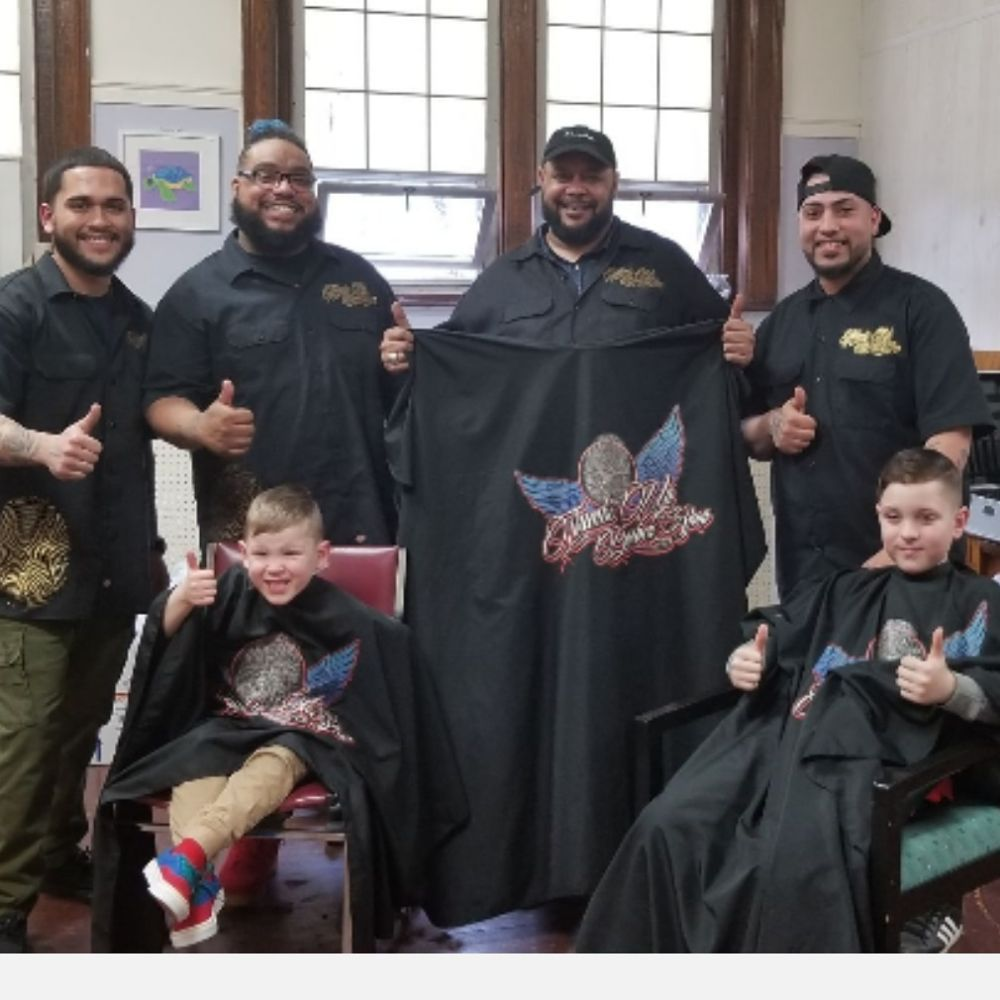 Thumbs Up Barber Shop: 544 John Fitch Hwy, Fitchburg, MA