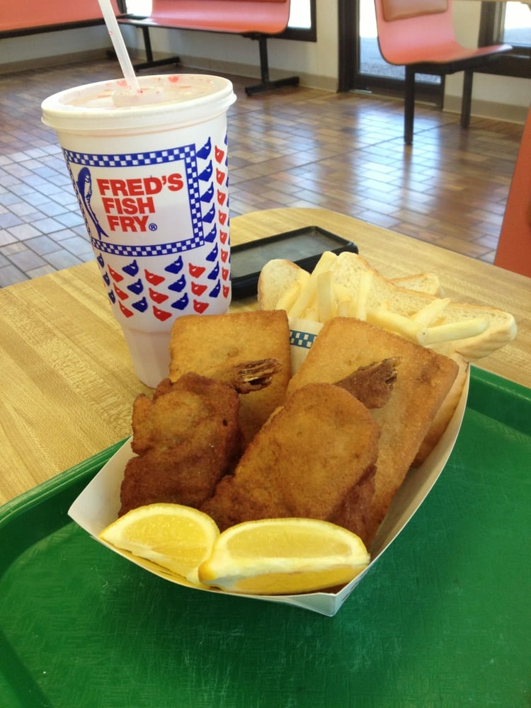 Cafeteria fish is better then this stuff yelp for Fred s fish fry