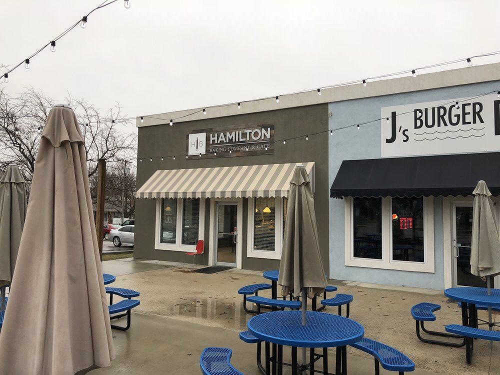 Hamilton Baking Company & Cafe: 118 N Davis St, Hamilton, MO