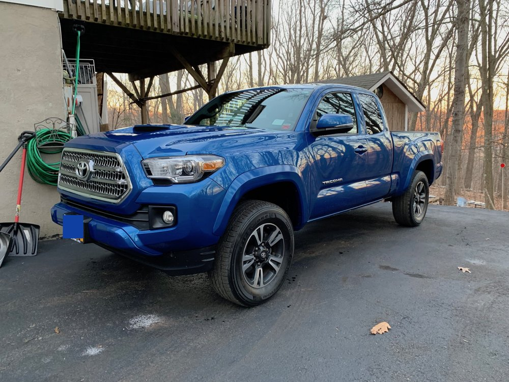 Prestige Toyota-NY: 756 E Chester St, Kingston, NY