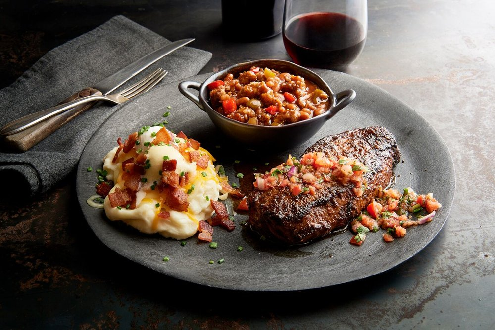 Claim Jumper Restaurant & Saloon: 18000 SW Lower Boones Ferry Rd, Portland, OR